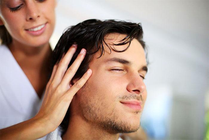 Виды, польза и техники выполнения массажа головы