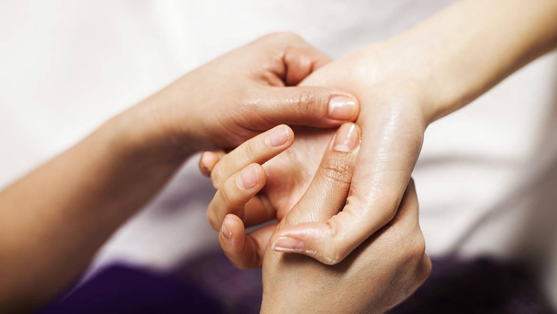 Массаж рук – нетрадиционный метод избавления от усталости и недугов